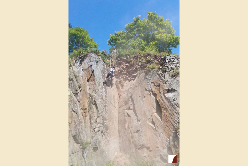Arbeiter an der Felswand