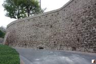 Mauer nach der Sanierung