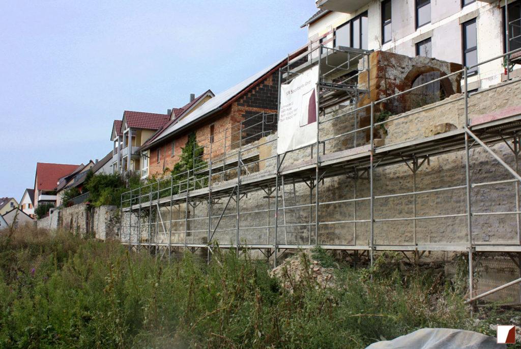 Stadtmauer während der Sanierung